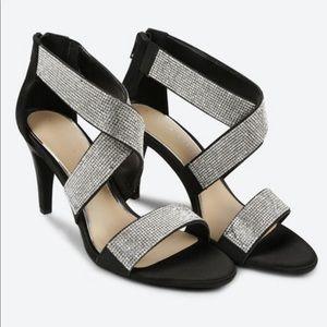 NWOT…KELLY & KATIE Vallarta Sandals - Black SZ 7